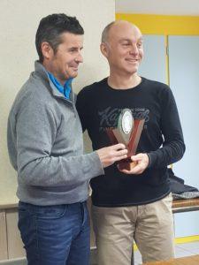 Gilles Baudet remet le trophée Georges Boulogne 2017 à Fabrice Senot